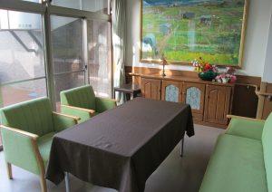 喫茶テーブルと家具